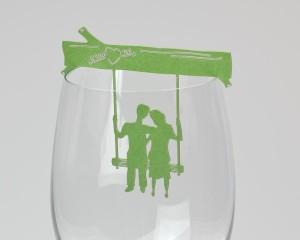 קישוט כוס יין - זוג על נדנדה