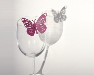 קישוט לכוס יין - פרפר במיתוג אישי