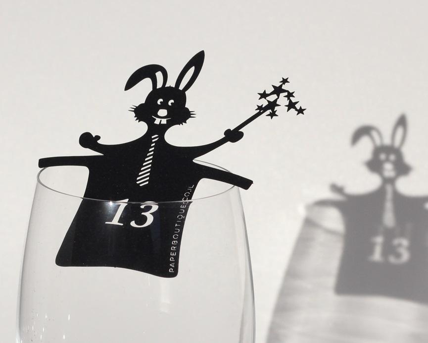 קישוט לכוס יין לבר מצווה – השפן הקסום
