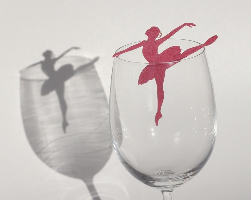 מיתוג לכוס יין לבת מצווה רקדנית בלט