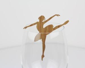 קישוט כוס יין - רקדנית בלט