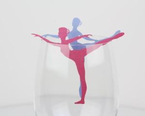 קישוט כוס יין רקדנית