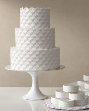 מסיבת חתונה לבנה - עוגת החתונה
