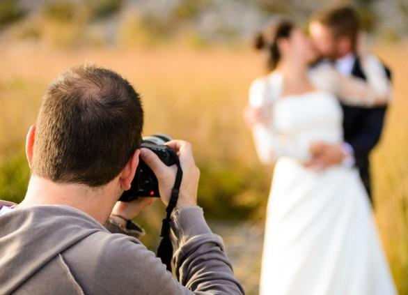 איך בוחרים צלם לחתונה ומבטיחים מזכרת נצח מדהימה?